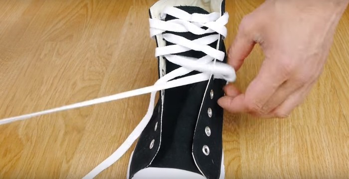 How to tie your shoe laces like a ninja you wont struggle with like this story ccuart Image collections